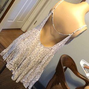 Brandy Melville Dresses - Floral ruffle dress